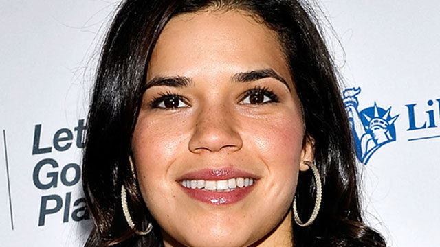 News video: America Ferrera Graduates College